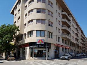 façana_montepio_manresa+comerç1